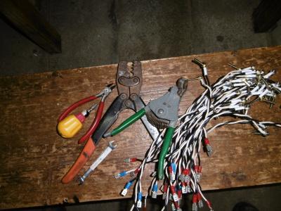 配線と工具